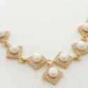 Colgante Cadena con siete Perlas Blancas Zirconitas y Goldfield