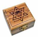 Cajita de Madera laser con Estrella de David y Menorah