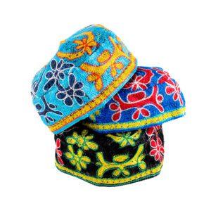 Kippah Grande Bordada con varios colores en hilo de seda, tres modelos a elegir.
