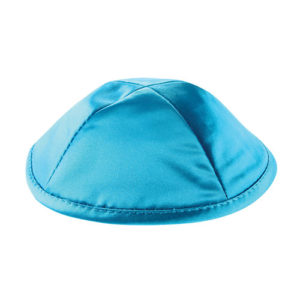 Preciosa Kippah de Saten con un color azul turquesa brillante 19cm
